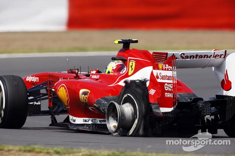 Pirelli blames teams for tyre-explosive British GP