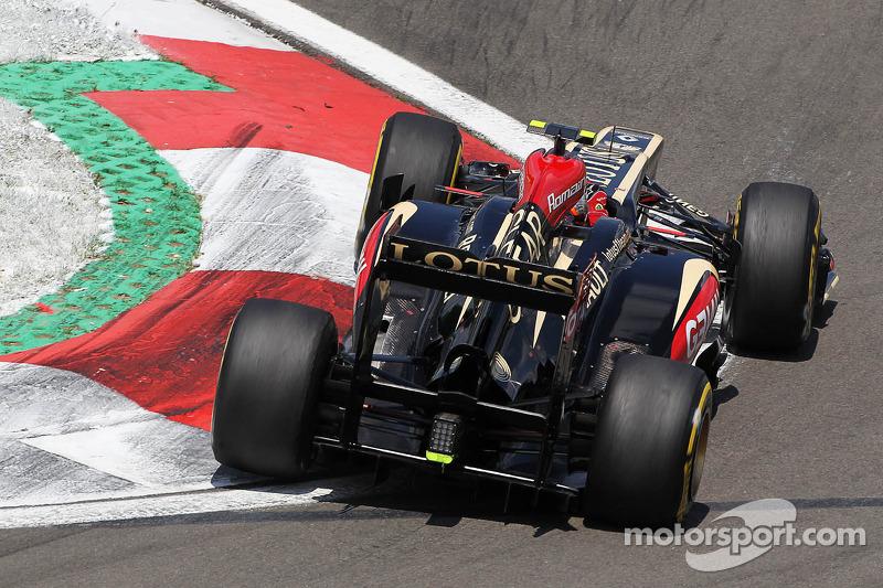New kevlar tyres 'not terrible' - Grosjean
