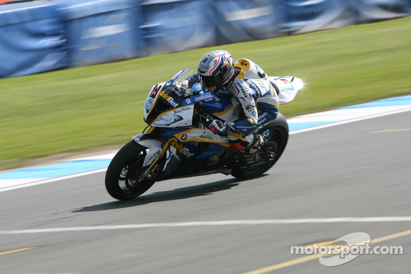 Melandri and Davies in top 10 in Friday qualifying at Moscow Raceway