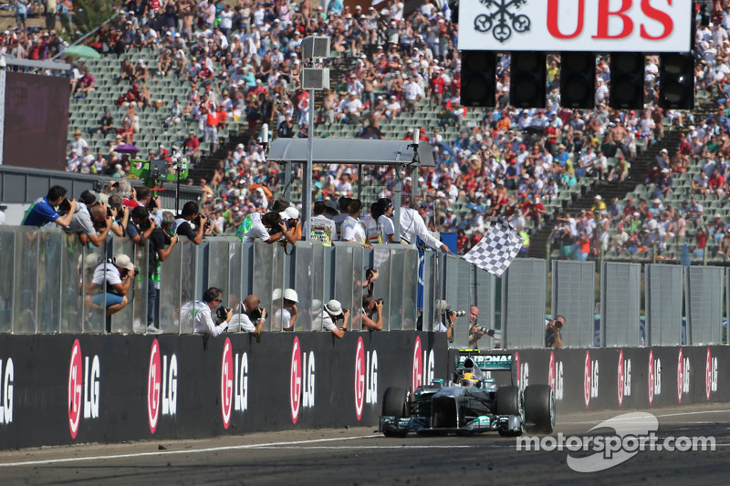 Mercedes' Hamilton achieved his 22nd career victory at Hungaroring