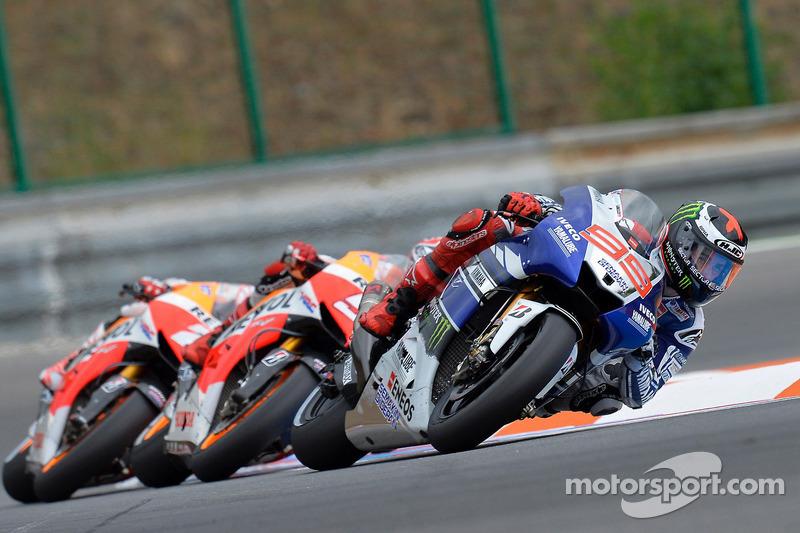 Lorenzo battles for Brno podium