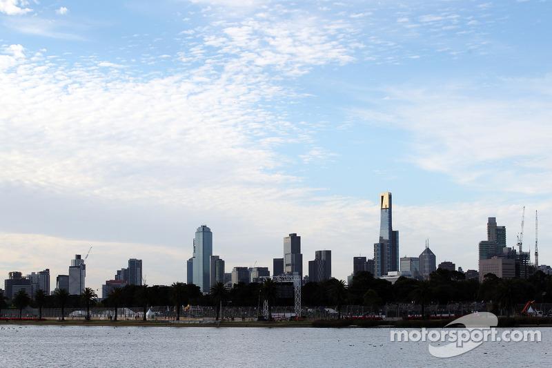 Melbourne boss Walker in talks for new Formula One deal