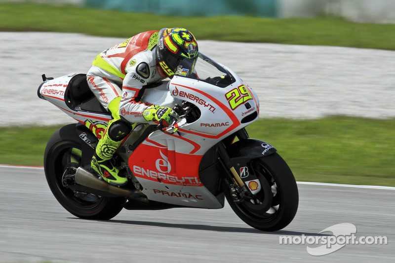 Iannone forced to withdraw at Aragon