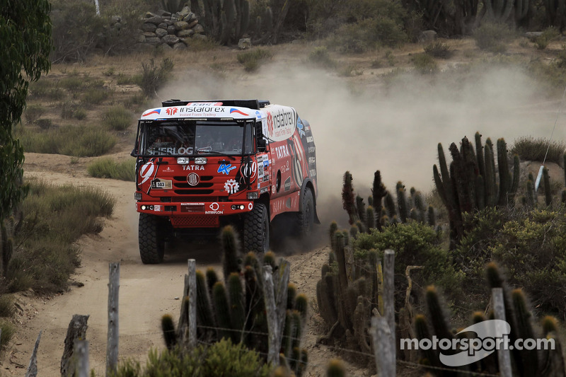 Aleš Loprais closing in on Dakar podium