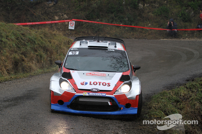 Kubica proves pace, but Monte bites back