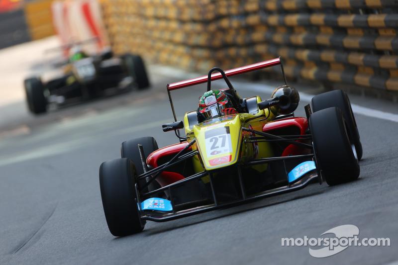 A new season for Carlin Motorsport and Antonio Giovinazzi