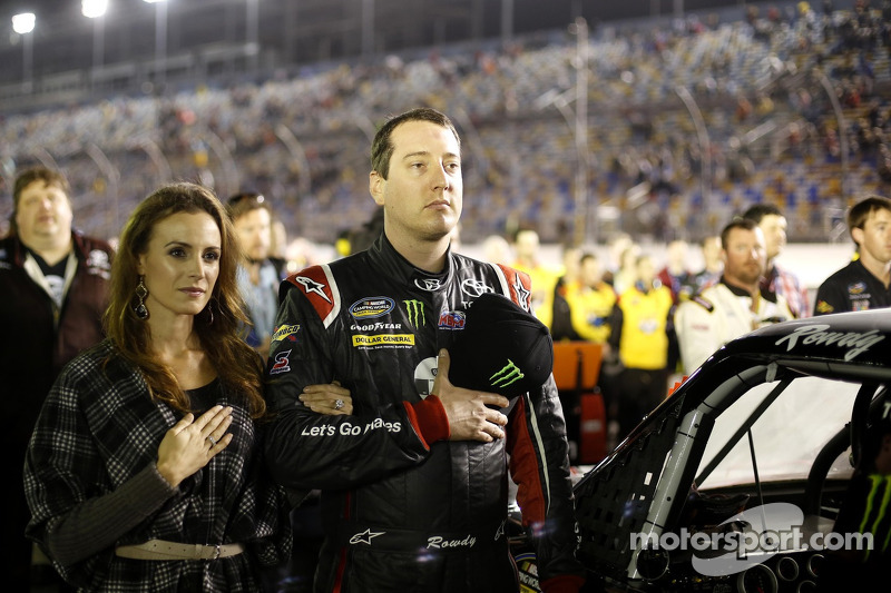 Racing with the rainbow in the valley of the sun for Kyle Busch