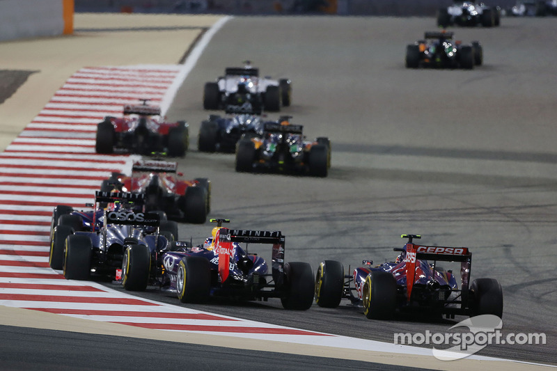 Ricciardo overtakes Vettel and finishes fourth in Bahrain