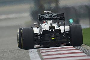 Formula 1 Practice report Button and Magnussen fought front tyre graining at Shanghai