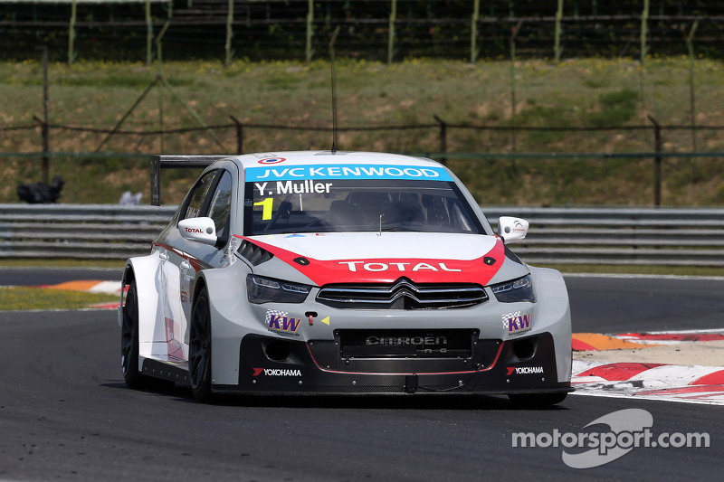 Muller defeats teammate López for pole position