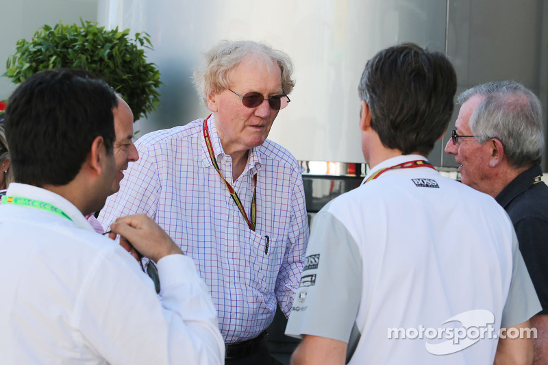 Tracks 'agreed' to push for louder F1 - Walker