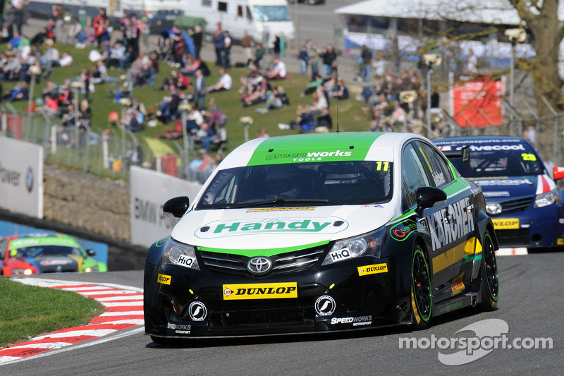 Three solid finishes for belcher on return to BTCC action at Oulton