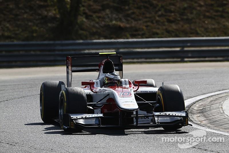 Vandoorne flies to victory in Budapest