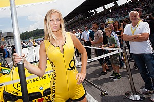 General Special feature Top 10 grid girls of 2014, part 1