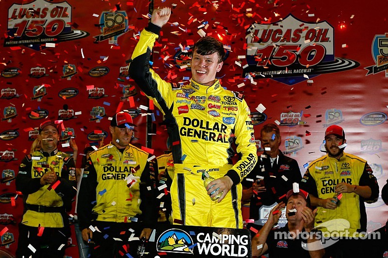 Erik Jones wins bizarre Truck race at PIR