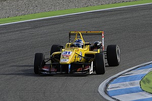 F3 Europe Qualifying report Carlin claim provisional front row at Macau with Blomqvist and Giovinazzi
