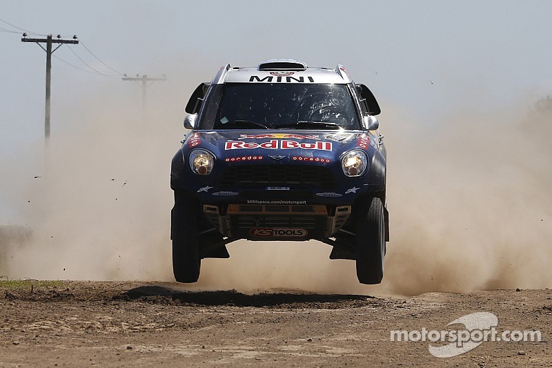 Al-Attiyah drops out of Dakar lead with penalty