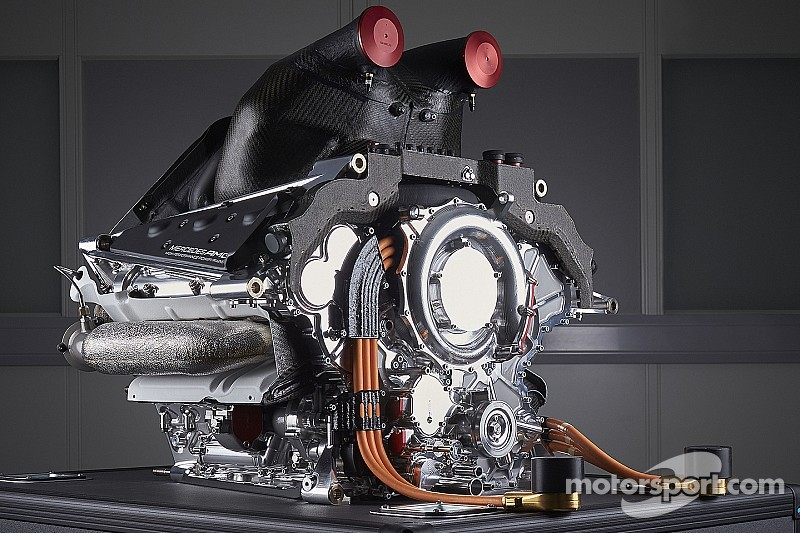 Mercedes clarifies engine strategy