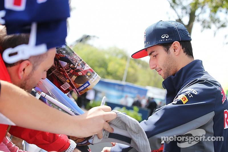 Ricciardo obligado a utilizar un segundo motor