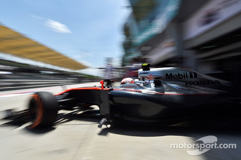 McLaren expects performance dip in China