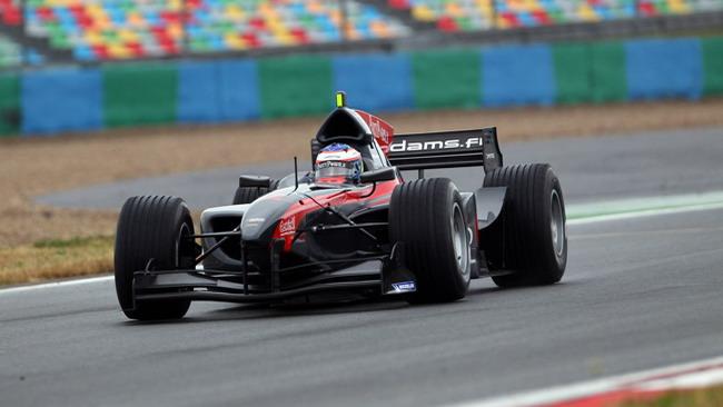 Grosjean conquista la pole anche a Magny-Cours