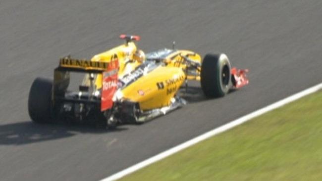 Kubica perde una ruota durante la safety car!