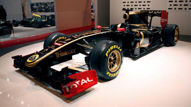 Lotus Renault presenta la sua livrea ufficiale