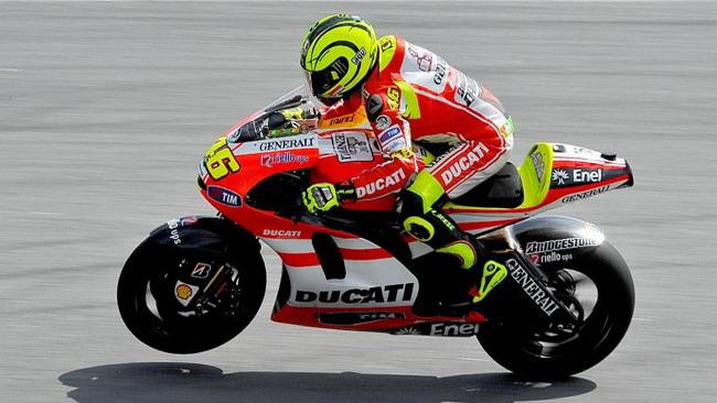Febbre passata, Valentino torna in pista a Sepang
