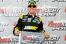Carl Edwards centra la pole a Phoenix