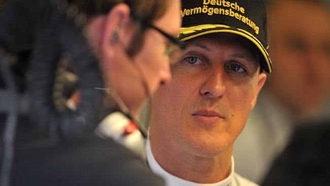 Schumacher su tre ruote la mette in ridere