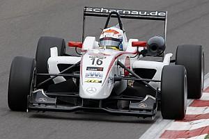 F3 Ultime notizie Rosenqvist detta il ritmo nelle libere a Silverstone