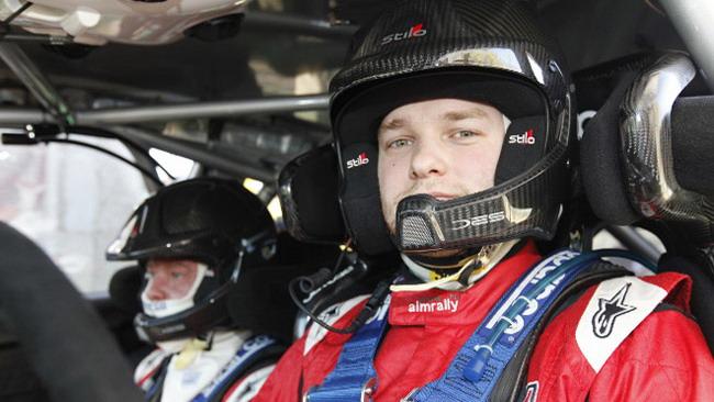 Novikov sulla terza Ford ufficiale in Galles