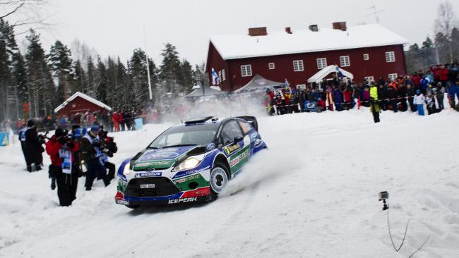 Svezia, PS8: Latvala torna in testa!