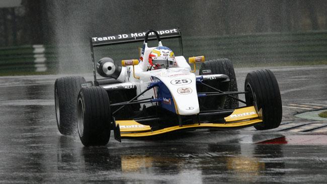La pioggia rallenta i test di Agostini ad Imola