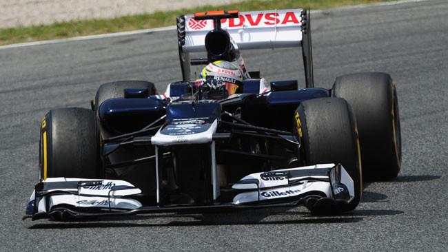 Miracolo di Maldonado davanti alla Ferrari rinata!