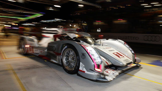 Fassler sbaglia e passa in testa l'Audi #2
