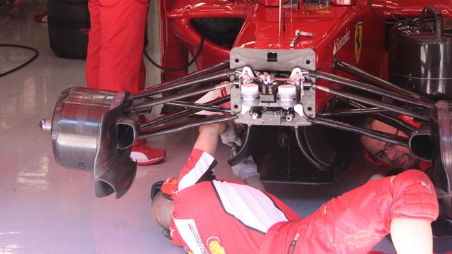 La McLaren studia la sospensione pull della Ferrari!