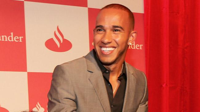 Lewis Hamilton porterà la fiaccola olimpica