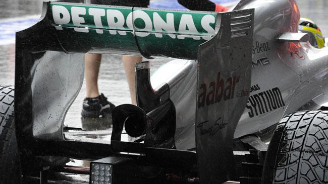 Anche la Mercedes a sorpresa sfodera il super DRS!