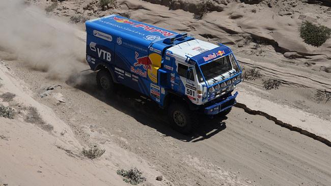 Dakar, 9° Tappa: crolla De Rooy, in testa Nikolaev