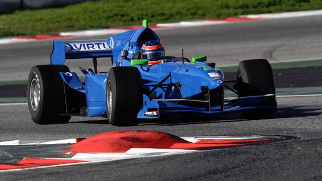 Andrea Roda salta in Auto GP con la Virtuosi UK