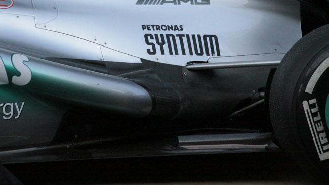 La Mercedes ha comparato gli scarichi del 2012