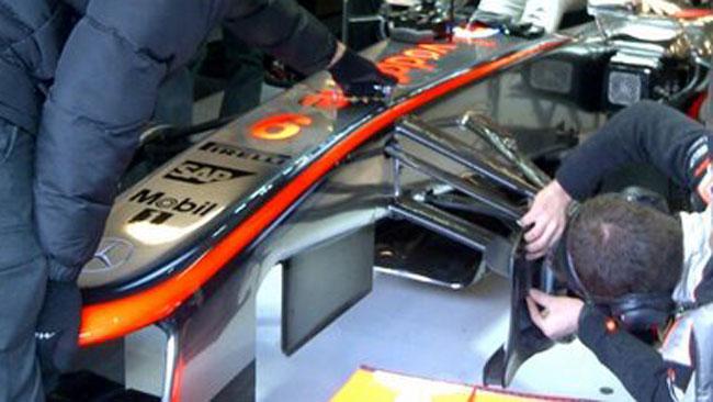 La McLaren cambia i deflettori sotto al telaio