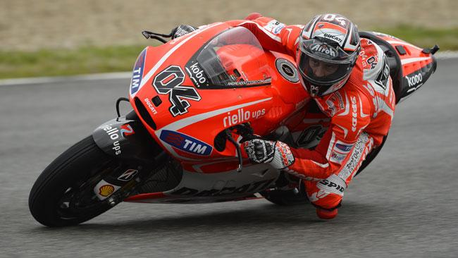 Il maltempo di Jerez rallenta i lavori nel box Ducati