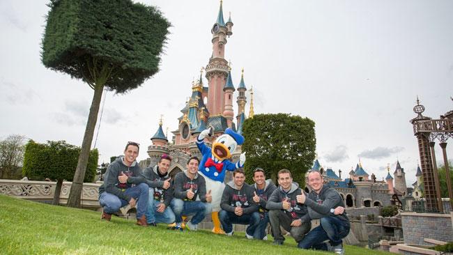 I piloti della MotoGp si divertono a Disneyland Paris