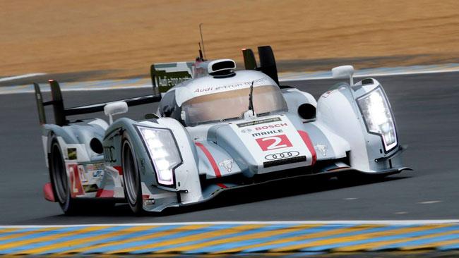 Loic Duval sbatte e poi vola nei test di Le Mans