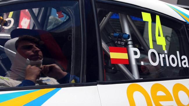 Pepe Oriola salta su una Chevrolet Cruze da Porto