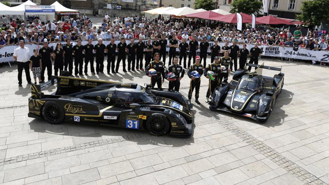 Team Lotus LMP2 in tribunale prima delle libere
