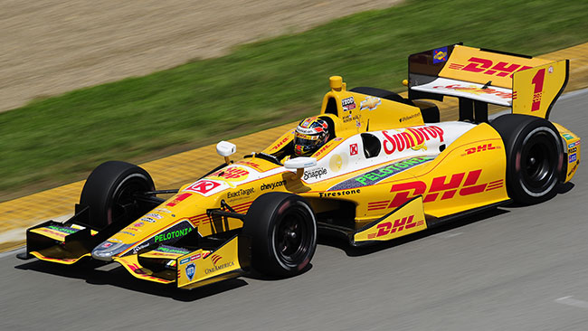 Ryan Hunter-Reay festeggia la pole a Mid-Ohio