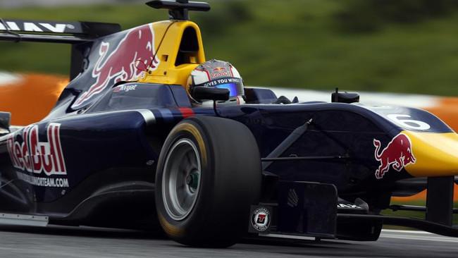 Kvyat e Sainz portano la MW-Arden in cima a Monza